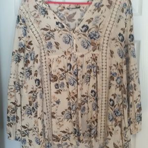 Great BOHO top - never worn -